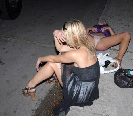 drunk-girls-on-the-street