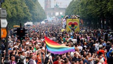 revellers-called-christopher-parade-parade-annual-street_3ca0023c-6f55-11e7-90b5-ba41537c464e
