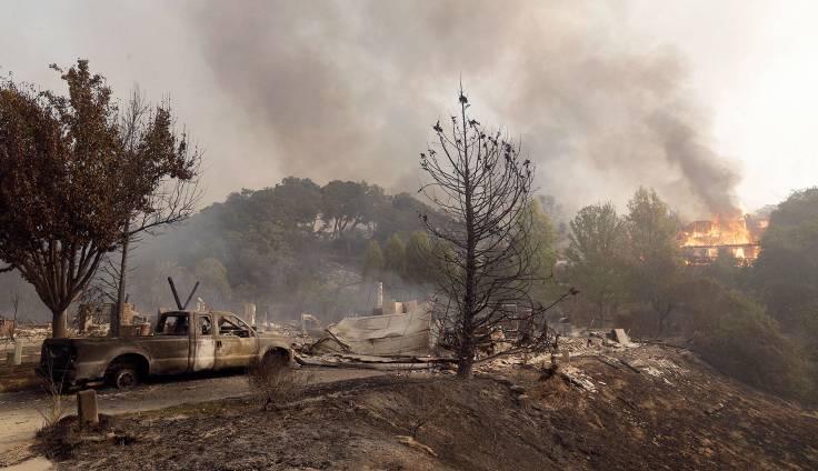 8850562_web1_l-santa-rosa-wildfire-1-edh-171010