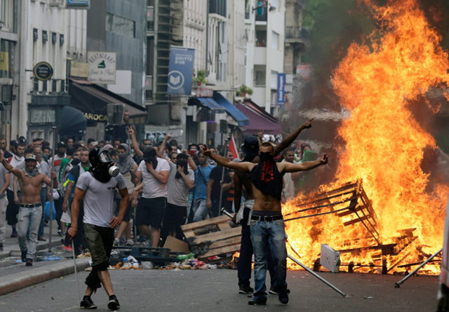 france-sarcelles-riots-ip_4